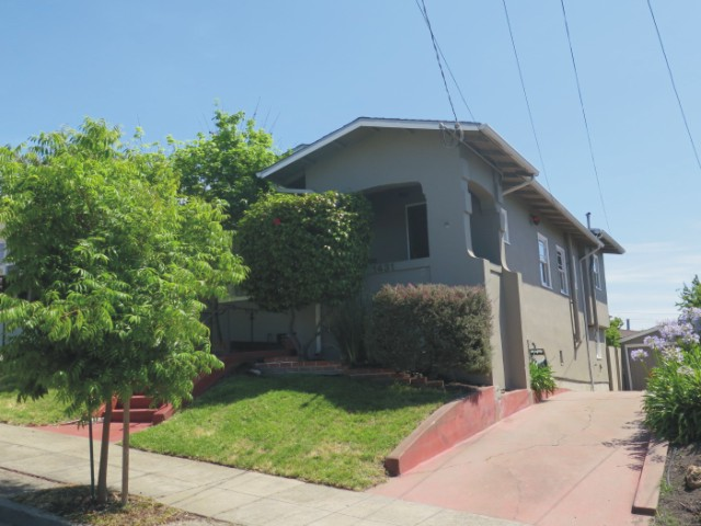 Oakland Glenview home for sale E 36th